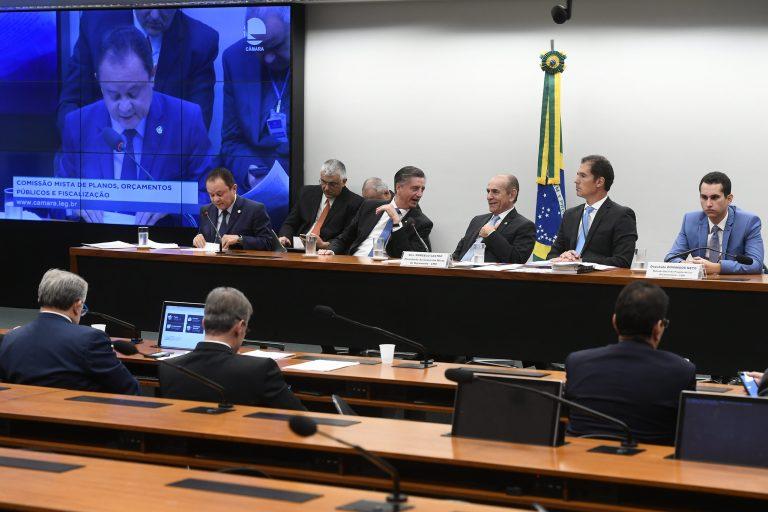 PSL e PT terão o maior tempo de rádio e tv e o maior volume de recursos do Fundo Eleitoral para campanha