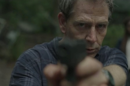 Baseada na obra de Stephen King, The Outsider ganha primeiro teaser