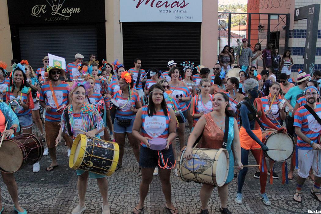Fundação Cultural Carlos Drummond promove oficina gratuita de batucada brasileira com o Bloco Altamente