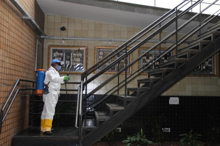 Covid-19: Câmara de Itabira passa por desinfecção e servidores são testados