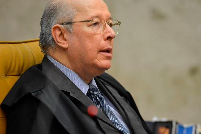 Celso de Mello decide que depoimento de Bolsonaro será presencial