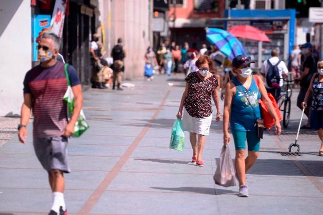 Prefeitura de BH começa a aplicar multa de R$ 100 para quem não usar máscara