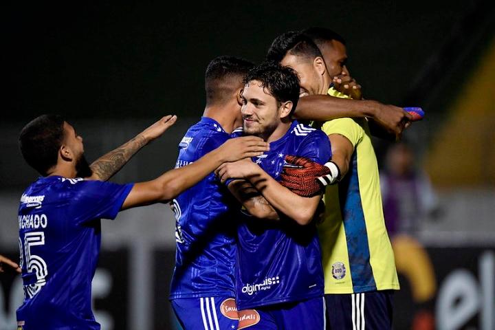 Em duelo emocionante, Cruzeiro vence o Boa Esporte nos pênaltis e garante vaga na terceira fase da Copa do Brasil