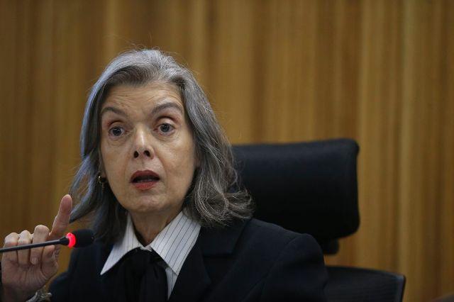 Cármen Lúcia arquiva pedido de investigação contra Moro feito por PT