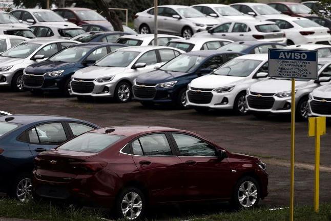 Consumidores mantêm intenção de comprar veículos mesmo com a crise