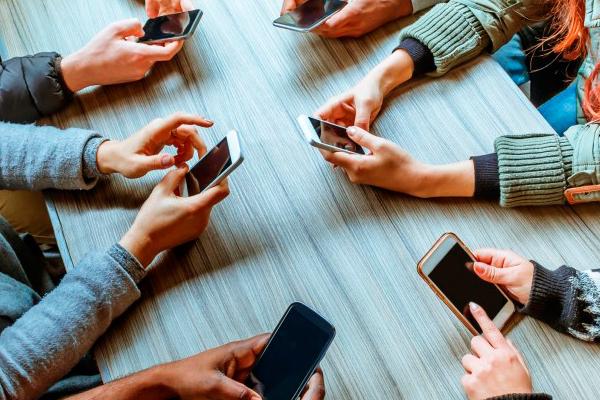 Brasil é o 3º país em que pessoas passam mais tempo em aplicativos