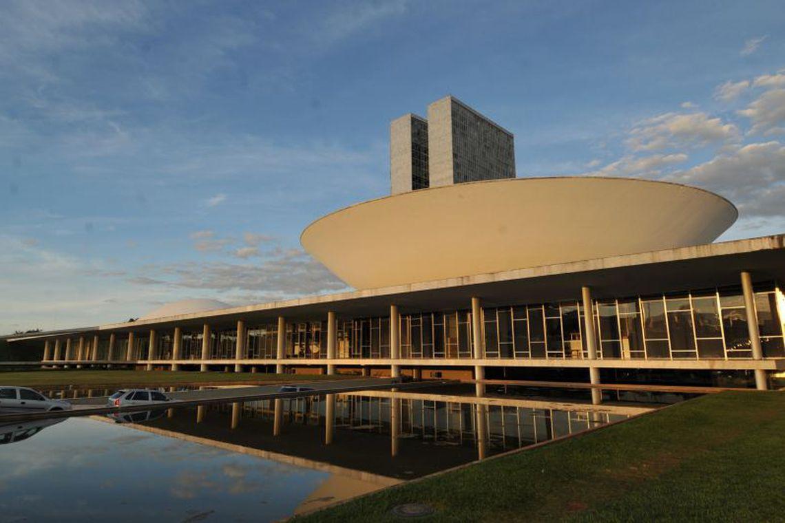 Prefeitos de todo país se reúnem em Brasília para lutar contra extinção de municípios