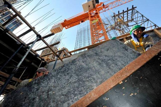 Construção civil tem maior taxa de inflação em 8 anos, diz IBGE