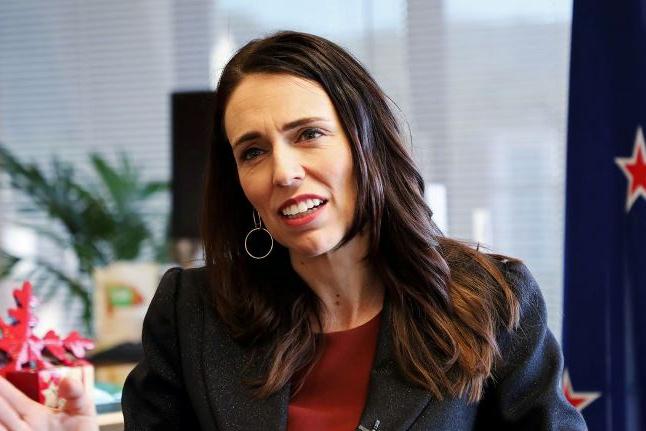 Nova Zelândia diz que erradicou coronavírus e suspende restrições