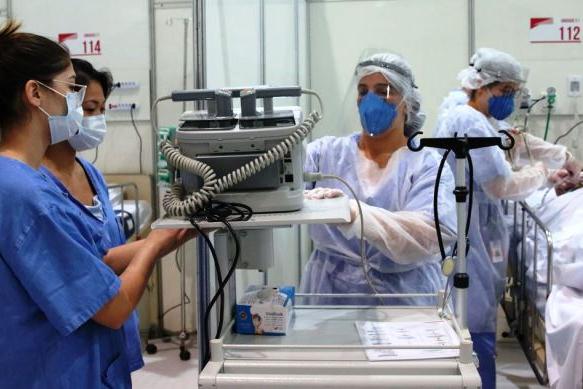 Covid-19 já afastou mais de 10 mil funcionários da saúde em São Paulo