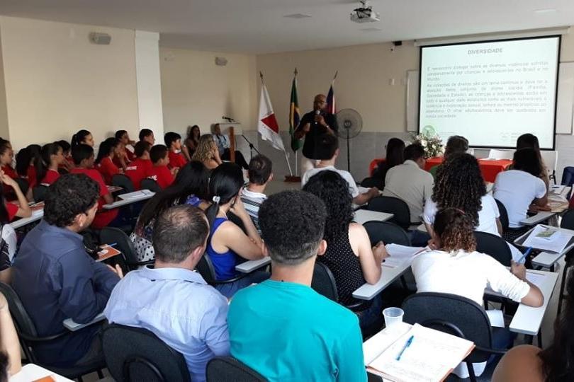 Direitos da criança e do adolescente são temas de seminário