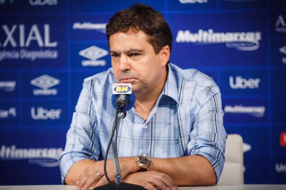 Mesmo afastado, Itair Machado ganha novo cargo no Cruzeiro