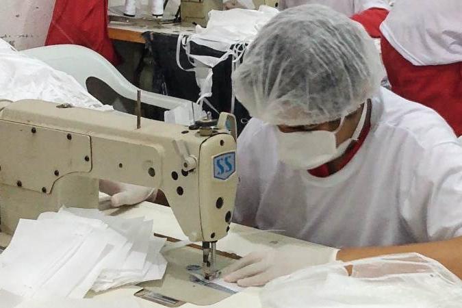 Sistema prisional mineiro produz 1 milhão de máscaras de proteção à covid-19