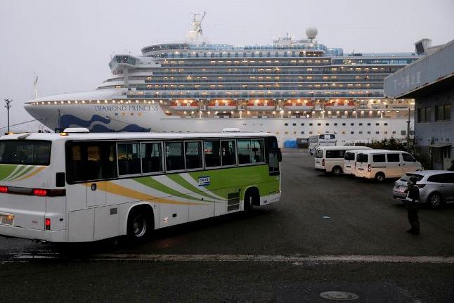 Passageiros de navio no Japão poderão desembarcar a partir de amanhã