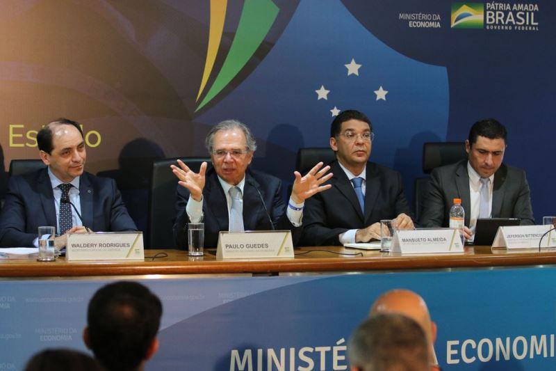 PEC do novo Pacto Federativo deve extinguir 1.254 municípios