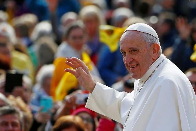 Papa rejeita proposta para permitir ordenação de homens casados