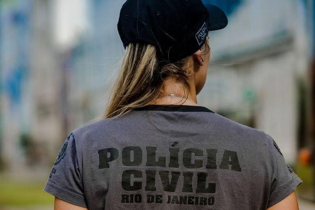 Polícia faz operação contra construções ilegais de milícias no Rio